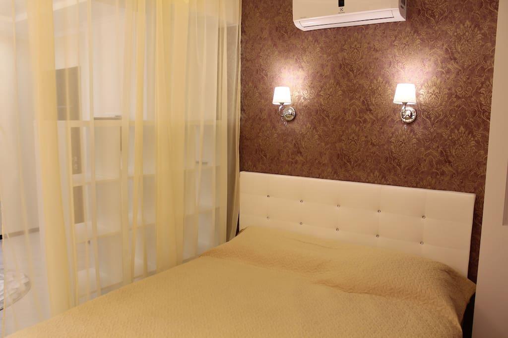Большая 2-спальная кровать