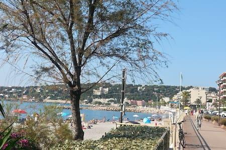 Close to  beach, Monaco, New 70m2