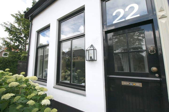 Stylish house • close to Amsterdam - Laren