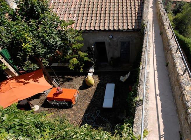 Delizioso alloggio con giardino. - Capalbio - Apartamento