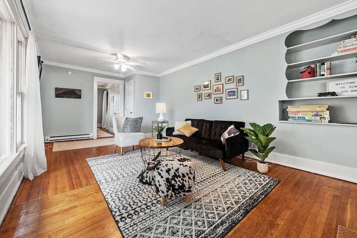 Spacious  Apartment w/ a View! | Historic St. Elmo