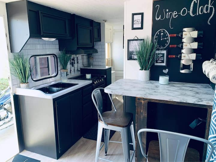 Beautiful Newly Remodeled tiny RV