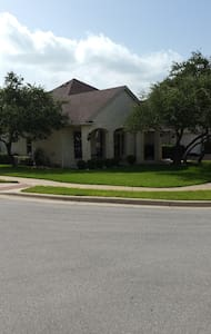3 bd home - close to Lake Travis! - Haus