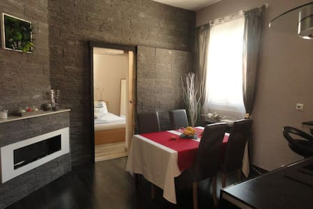 Cassis  - Appartement 3 pièces + petite mezzanine - Lägenhet