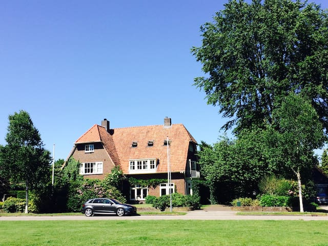 Lovely family home 1930 Oosterbeek - Oosterbeek - Casa