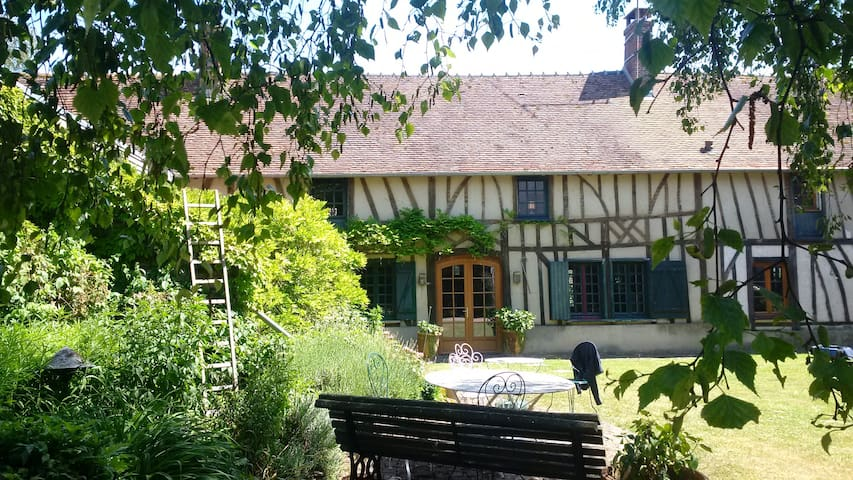 Beautiful old country house - Ons-en-Bray - Dům