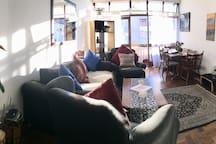 Lounge (view 1)