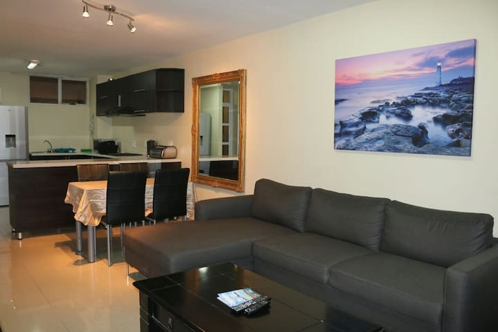 Lovely Beachfront Apartment! - Durban - Leilighet