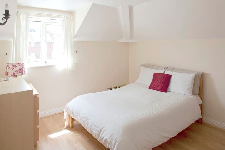 Bright Spacious Double room - york - Wohnung