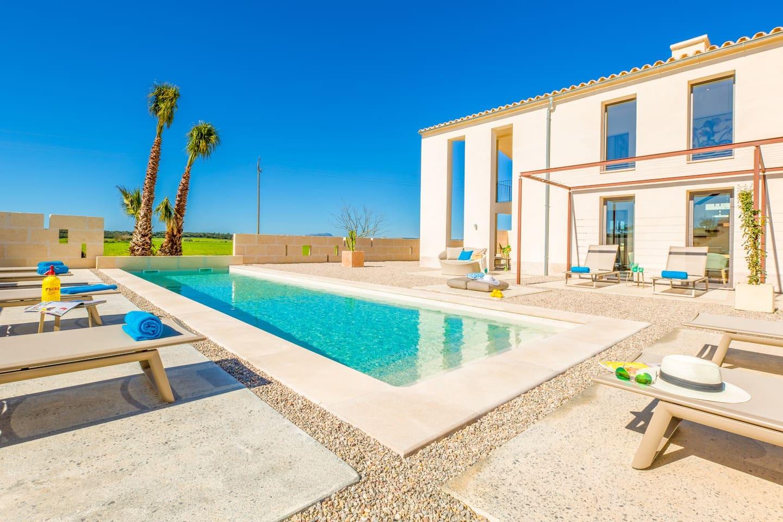 Finca Palmera mit privatem Pool und hochwertiger Ausstattung