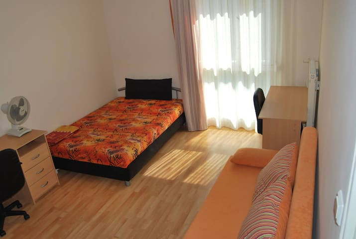 Shiny apartment close to the centre - Pécs - Apartamento