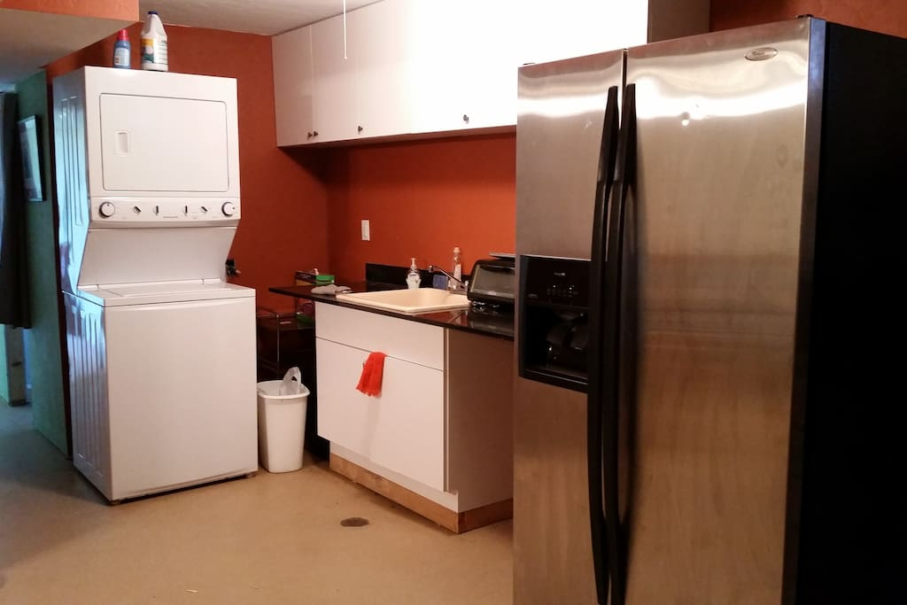 Kitchenette with washer and dryer unit