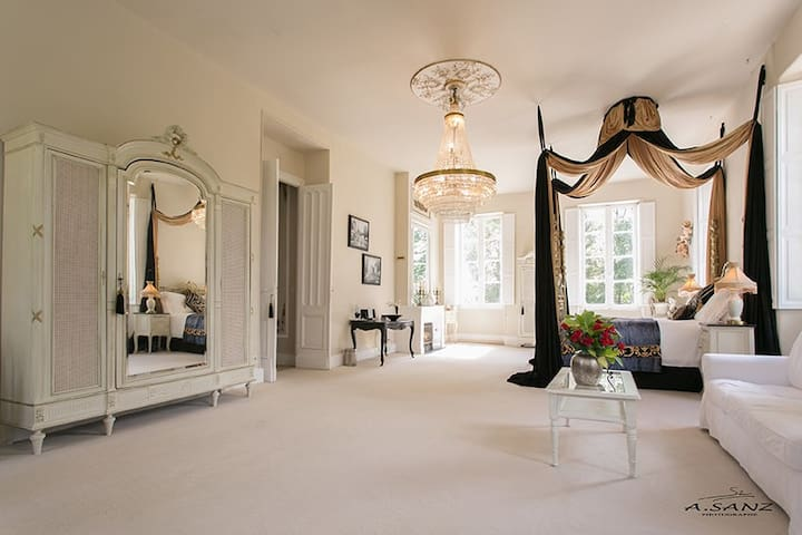 Luxury Boutique Chateau Suite