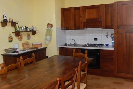Alloggio rurale al 2° piano-2nd floor country flat