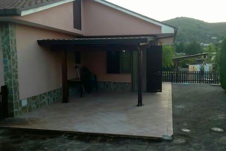 Villa in the countryside (2km far from the sea) - Giungatelle