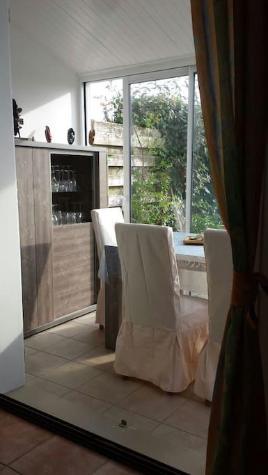 Espace salle à manger agréable quand il fait beau !