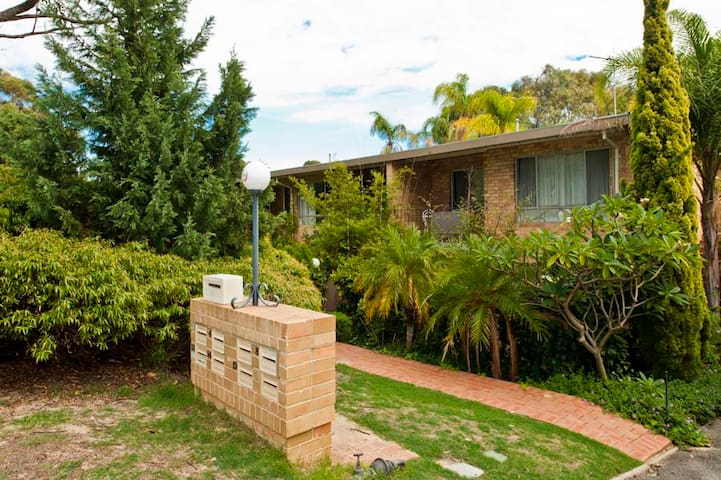 JJ on Jersey a Subi Executive Apt - Jolimont - Apartment