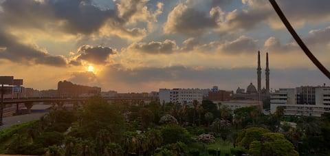Solrig lejlighed i Kairos hjerte