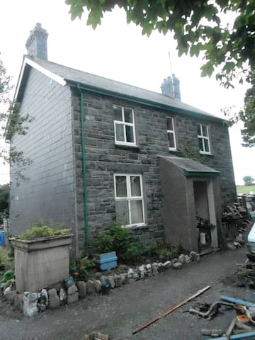 rural house near mountains and sea - Gwynedd