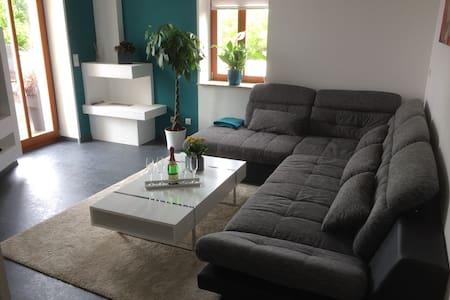 Moderne Luxuriöse Wohnung in Villa - Dresden - Apartment