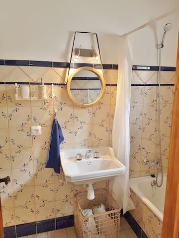 Bathroom Doble Room Entrance - 2