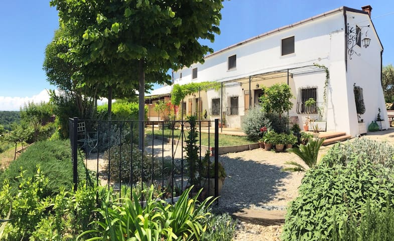 AGRADO Country House e B&B 2 - Rocca San Giovanni - Departamento
