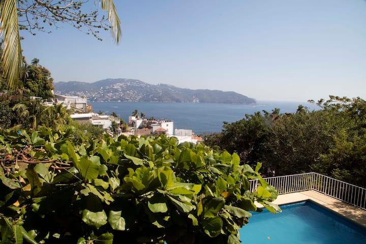 Charming Condo in Hip Acapulco
