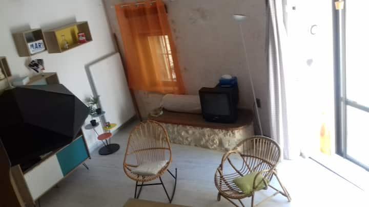 petite maison de village au pays des lavandes