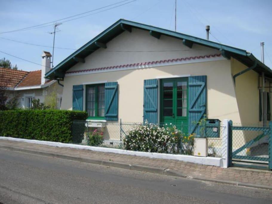 Maison de ville ind pendante townhouses for rent in la for Cash piscine la teste de buch