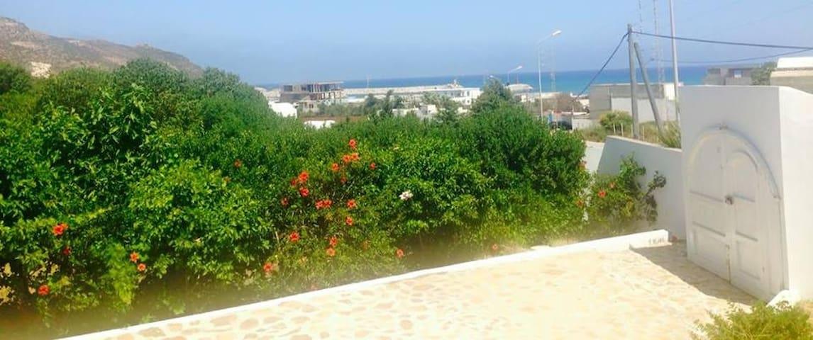 Villa bougainvillier - Al Huwariyah - Dom