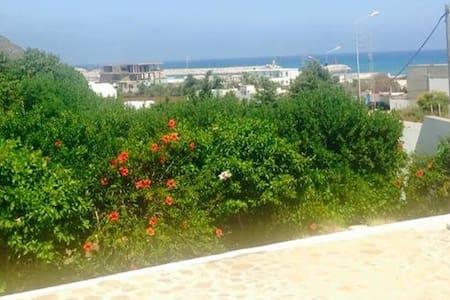 Villa bougainvillier - Al Huwariyah - Dům