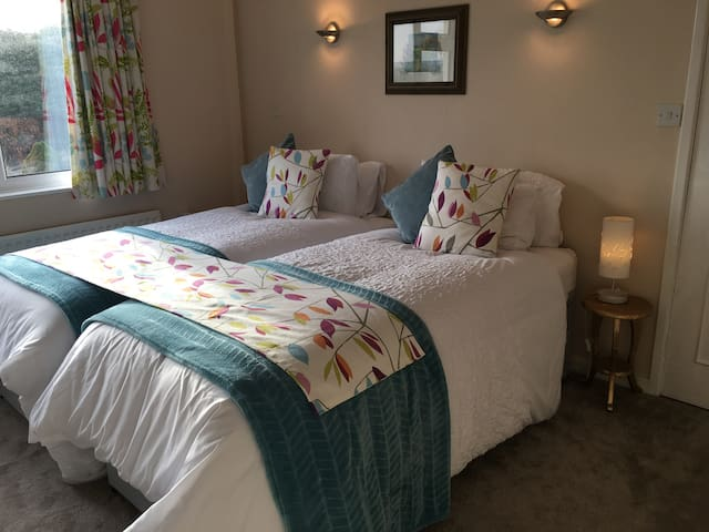 Welcome! Fab BnB with private dining and bathroom.