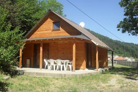 Chalets  4 a 6 personnes - Saint-Martial - กระท่อมบนภูเขา