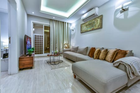Private Entrance Apartment with One Bedroom