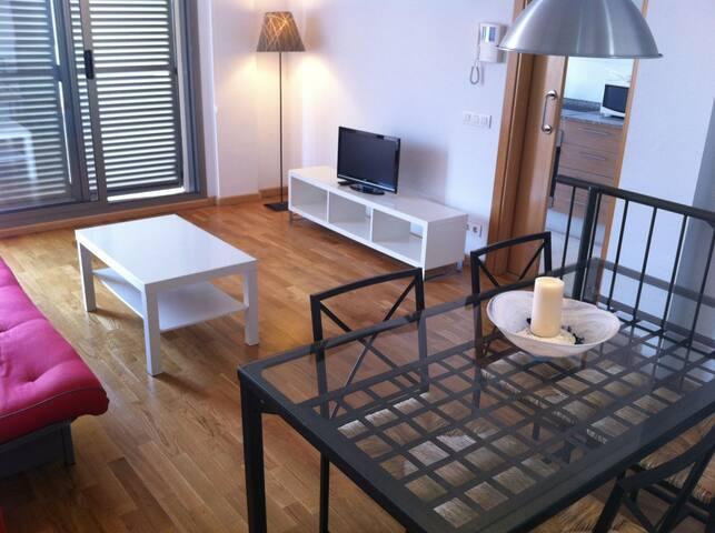 Apartamento con terraza y piscina, de 1 habitación
