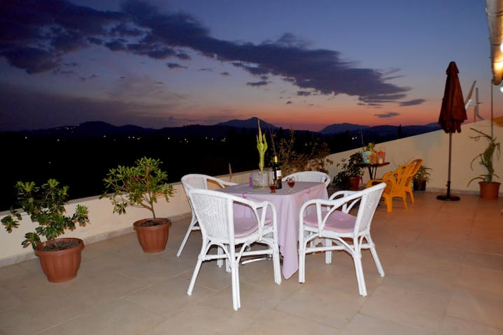 Best Sunset View - Afra - Apartament