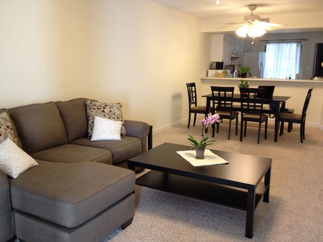 Comfy room near UF Shands/VA Hospital - Gainesville - Appartement en résidence