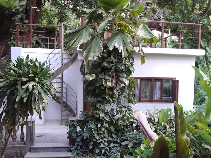 Santa Teresa Garden Villa with Swimming Pool
