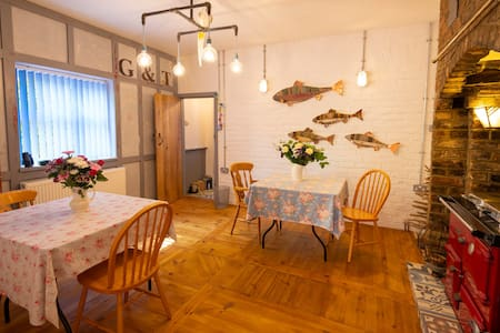 The Pink House: cosy quirky comfortable