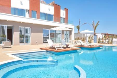 Vivo Mare 3 Bedroom Seaview Villa 1
