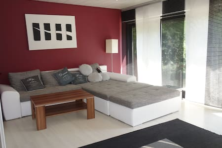 3 Room 90m² Business Appartment with Garden - Wohnung
