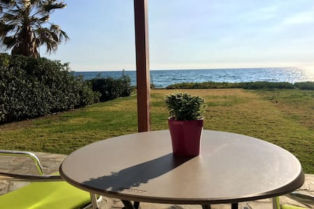 Serenity Beach House - Surfer haven SPECIAL OFFER! - Perivolia - Dom
