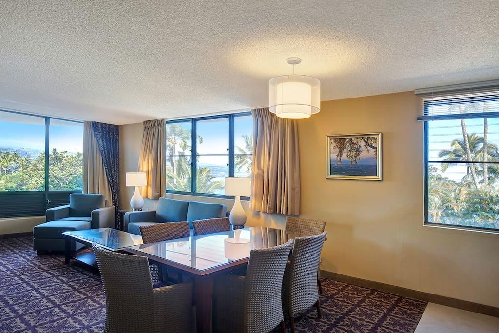 1 Bedroom Ocean View Suite - Living Room