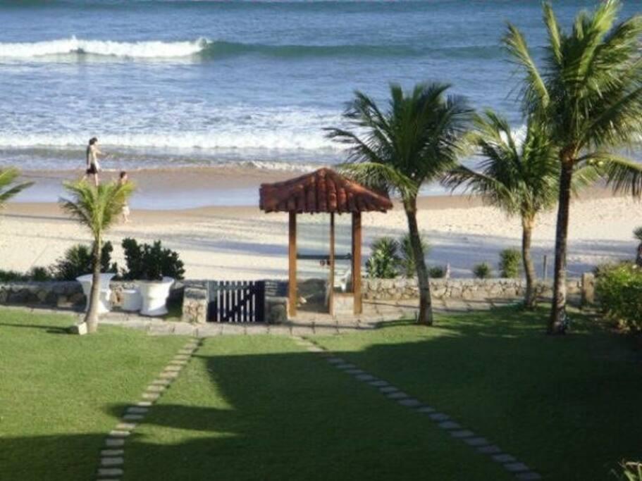 vista para a praia e saída do Condomínio