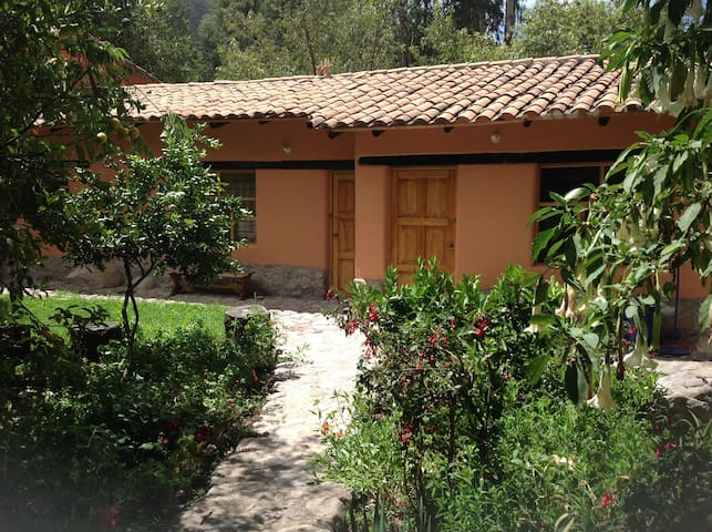 Sweet & Cozy 1-bedroom Andean Cottage - Urubamba - House