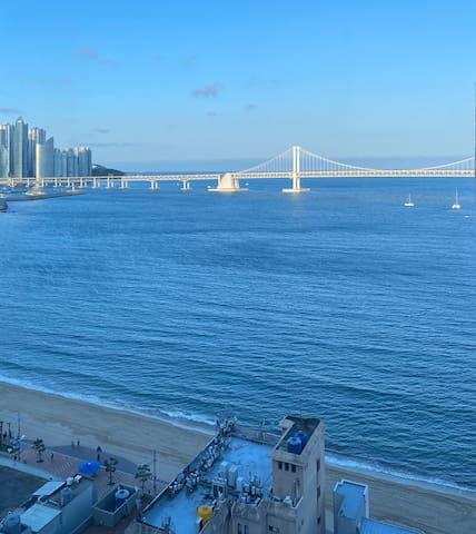 광안대교 정면뷰🌉 피크닉세트 무료 대여👒 해수욕장 도보 1분🏖 넷플릭스 시청📺 취사가능🍲