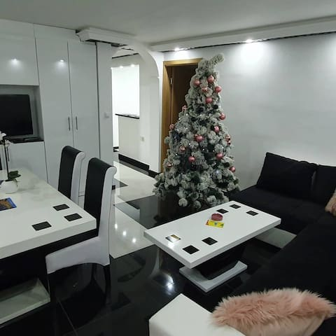 Lux Apartment for 8 people
