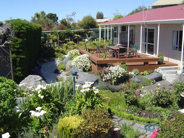 Bayview Homestay - Kaikoura - Bed & Breakfast