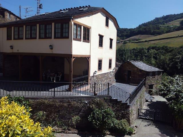 "Casa Rural Taramundi ""El Abedul"" - Vega de Llan - Lakás"