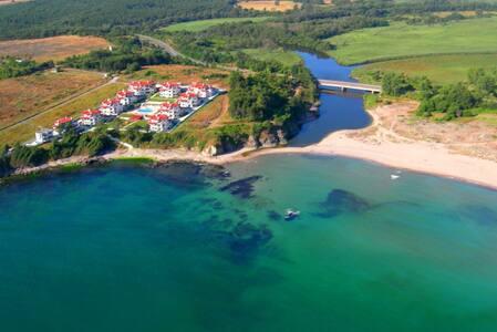 "Sea Apartment  ""Kapriz"" - Kiten - Hotel ekologiczny"